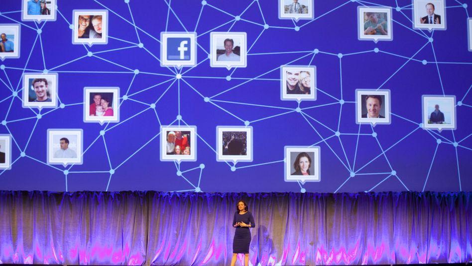 Facebook-Managerin Sandberg: Sie lädt viel Schuld auf Frauen ab