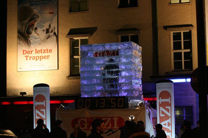 """Eisiges Experiment (2006 in München): Vincent Vega wollte ins Guinnesss-Buch der Rekorde - aber """"es war da drin einfach zu kalt"""""""