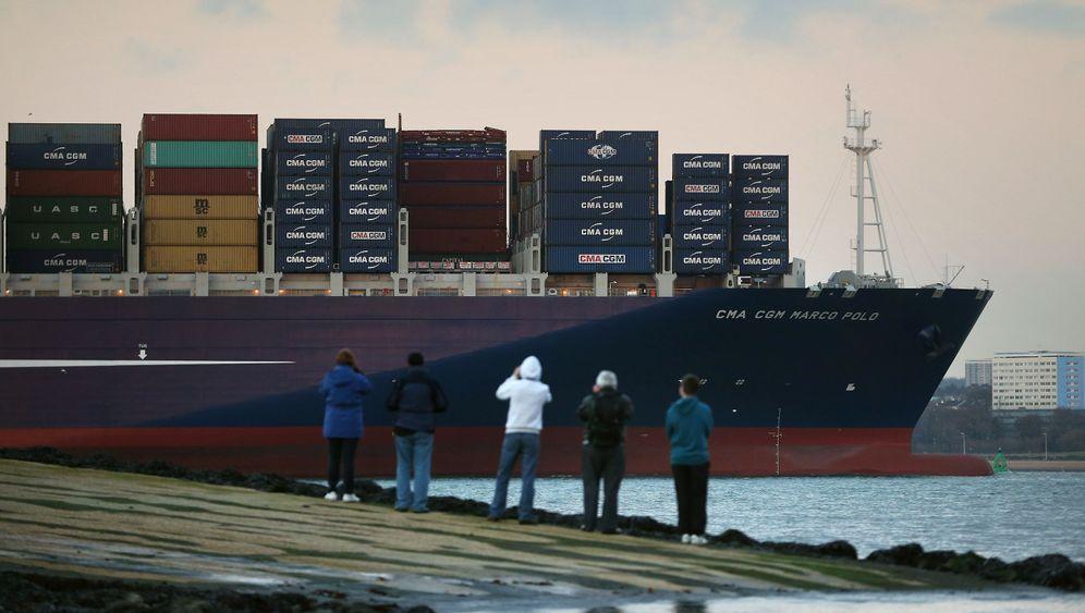 Größtes Containerschiff der Welt: Es kommt ein Schiff geladen