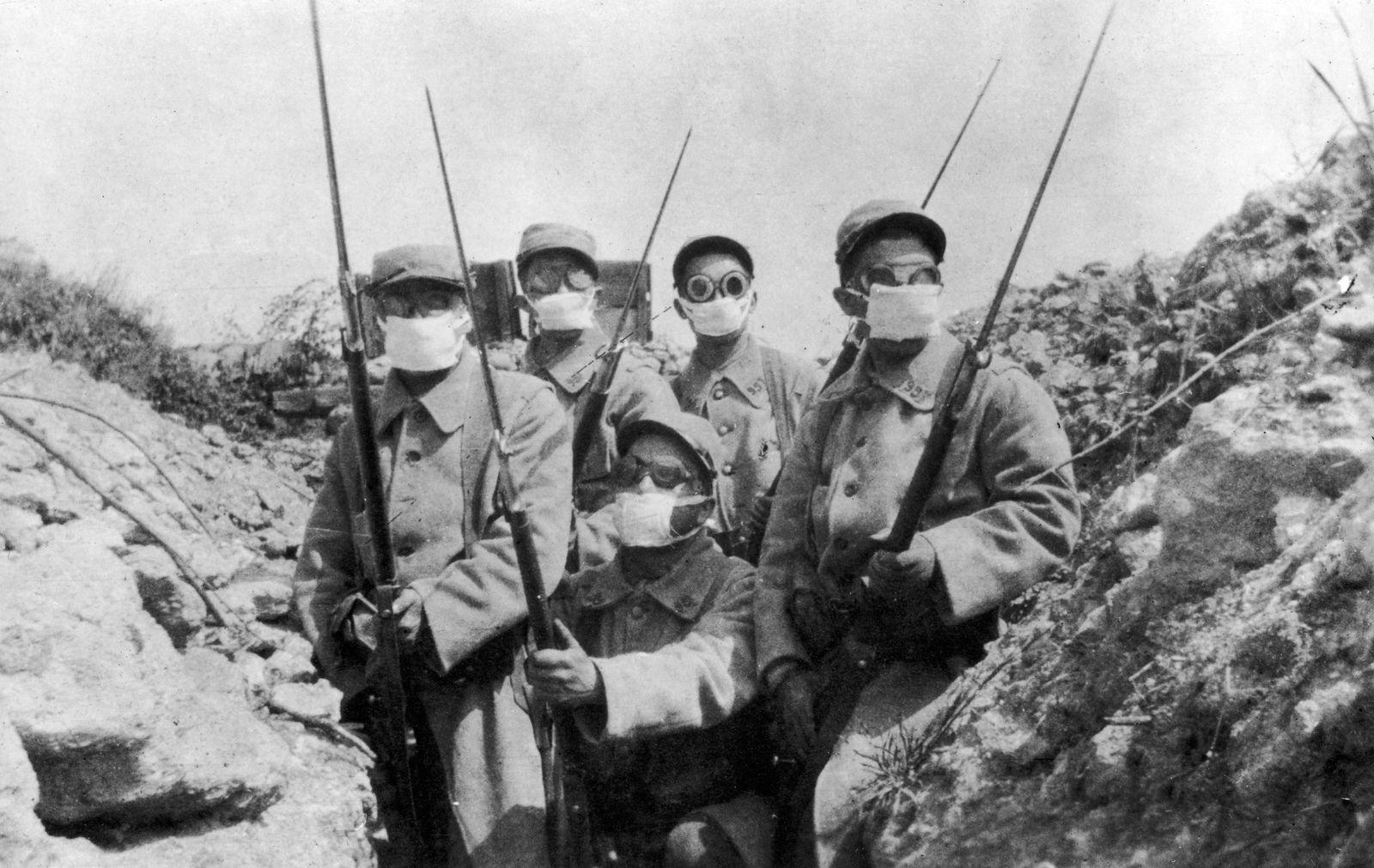 Gaskrieg / Waffentechnik / Erster Weltkrieg