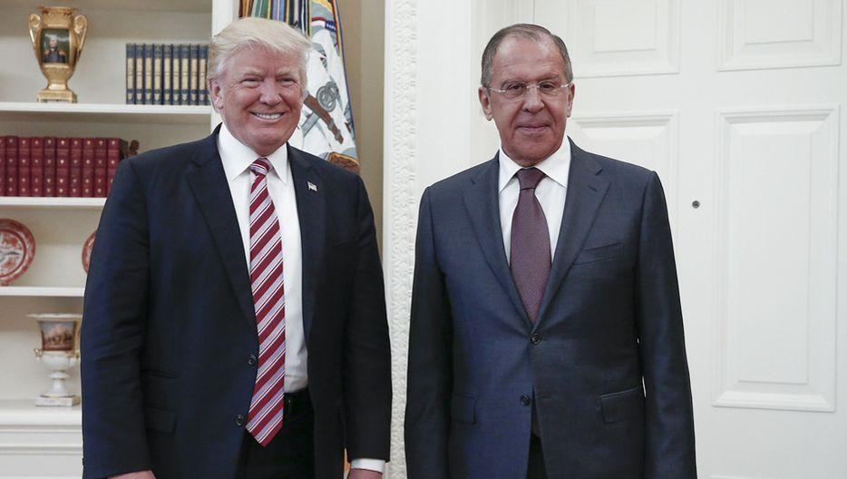 Donald Trump (l.) und Russlands Außenminister Sergej Lawrow (am 10. Mai 2017) im Weißen Haus: Heikle Details ausgeplaudert