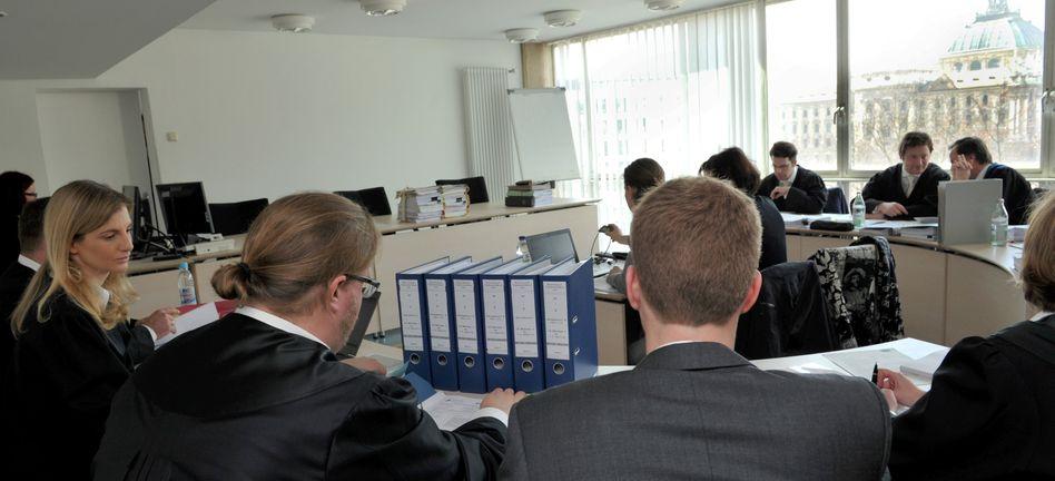 Landgericht in München: Zivilstreit zwischen Microsoft und Google
