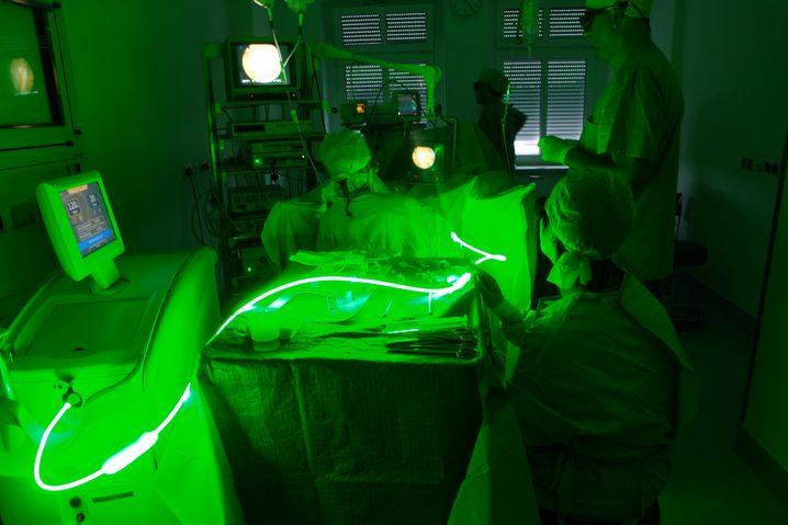 Prostataoperation in der Asklepios-Klinik-Pasewalk: Mitarbeiter und Patienten als gnadenlos optimierbare Variablen