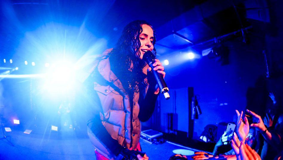 Rapperin 070 Shake im Berliner Club BiNuu: Erster deutscher Solo-Auftritt der 22-jährigen Pop-Entdeckung von Kanye West