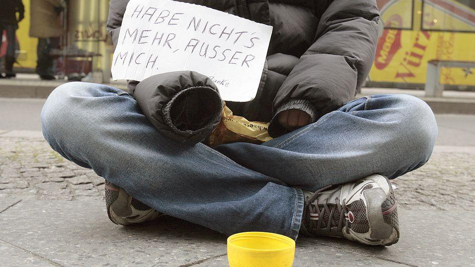 Obdachloser in Berlin: Hohes Armutsrisiko in der Hauptstadt