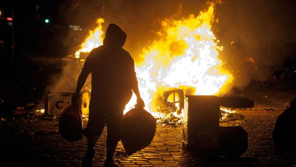 Randale in Hamburg: Wachsende Arm-Reich-Schere erhöht die Gewalt-Gefahr