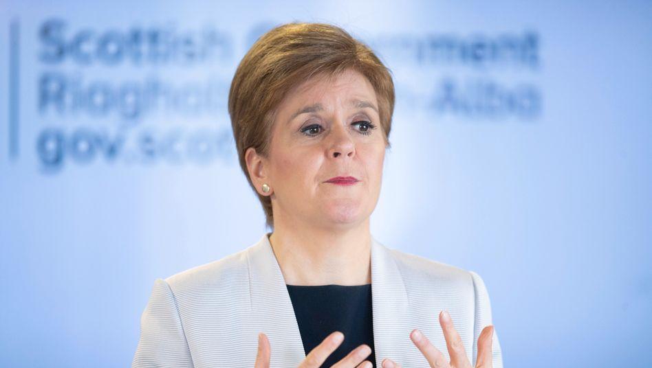 """Schottlands Erste Ministerin Nicola Sturgeon: """"Alternativen Weg nach vorn"""""""