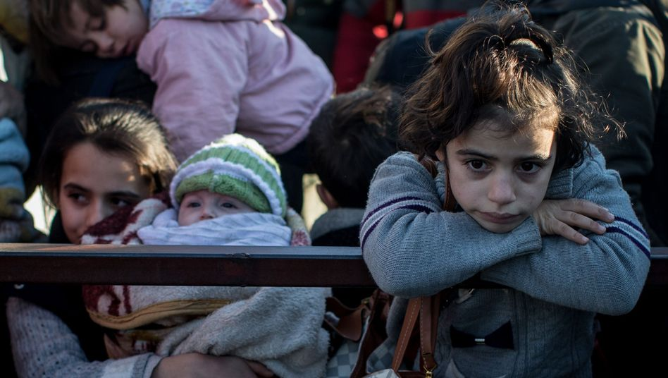 Syrische Flüchtlinge im türkischen Kilis: Menschen fliehen vor der Offensive in Aleppo