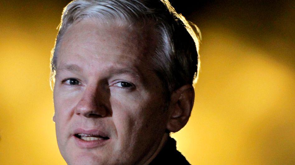Assange Anfang Februar in London: WikiLeaks-Aussteiger haben Daten entführt