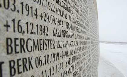 Gedenktafel: Auf dem Soldatenfriedhof Rossoschka, 30 Kilometer nordwestlich von Wolgograd, sind die Gebeine von 40 000 Wehrmachtssoldaten beerdigt