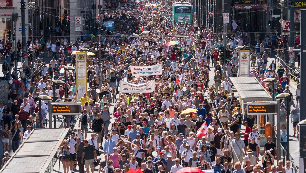 Berlin: Gericht kippt Verbot von Demonstration gegen Corona-Politik - DER SPIEGEL - Politik