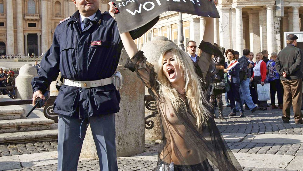 Photo Gallery: A New Form of Feminist Protest