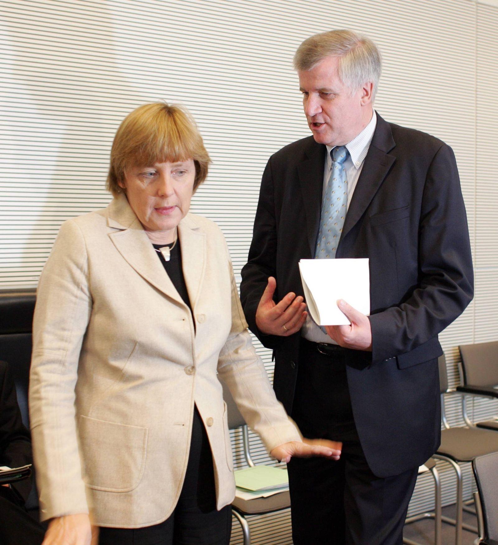 EINMALIGE VERWENDUNG Merkel Seehofer 2004