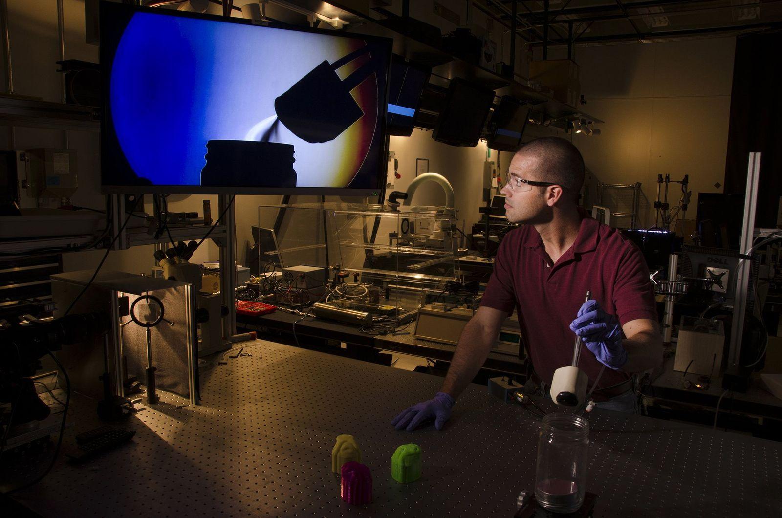 EINMALIGE VERWENDUNG Detektor schnüffelt mit Hundenase aus dem 3D-Drucker besser