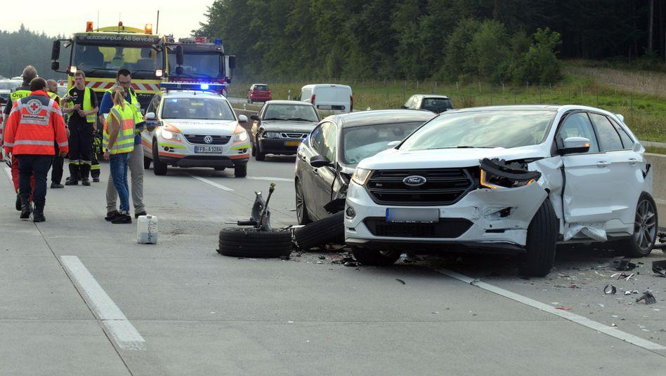 Unfall auf der Autobahn A8 (Symbolbild)