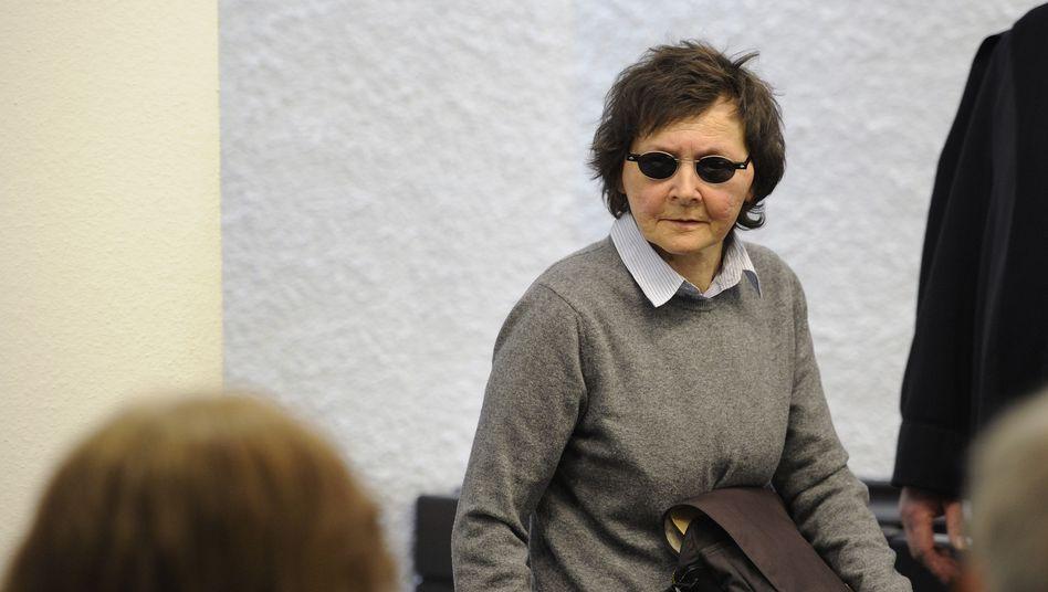 Prozess in Stuttgart: Ex-RAF-Terroristin Becker bestreitet Beteiligung an Buback-Mord