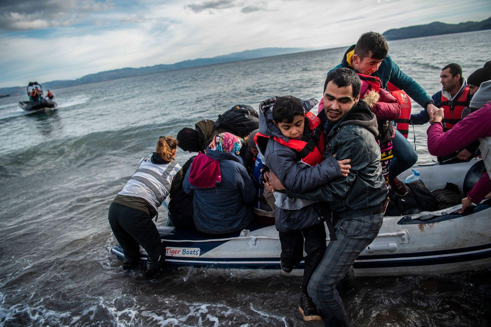 Flüchtlinge kommen auf Lesbos an