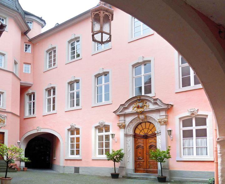 Tradition in Rosa: Der Pillishof ist der Firmensitz der Kellerei in Trier