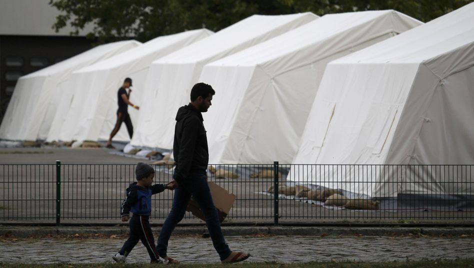 Asylbewerberunterkunft in Berlin: Ausnahmeregel für Versorgung der Flüchtlinge