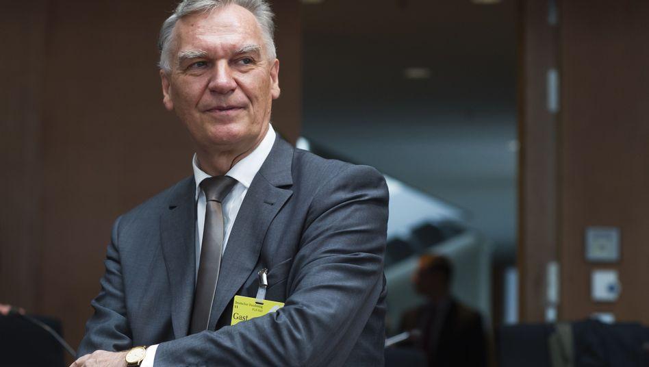 """BKA-Chef Jörg Ziercke vor Untersuchungsausschuss des Bundestags: """"Wir haben versagt"""""""