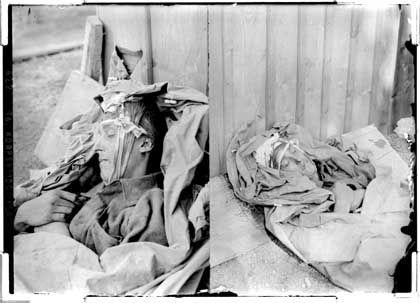 Durch Kopfschuss getöteter Infanterist, August 1916, vermutlich in Dornberg (heute Slowenien): Zensierte Fotos zeigten selten Tote der eigenen Truppen