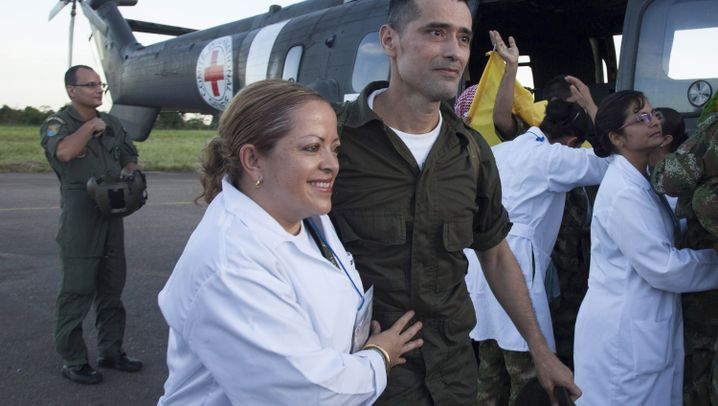 Geisel-Übergabe in Kolumbien: Mit dem Helikopter in die Freiheit