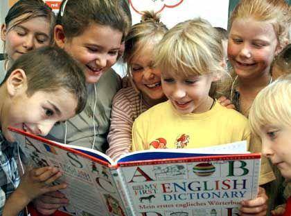 Lesende Kinder: Na also, geht doch - und das sogar auf Englisch