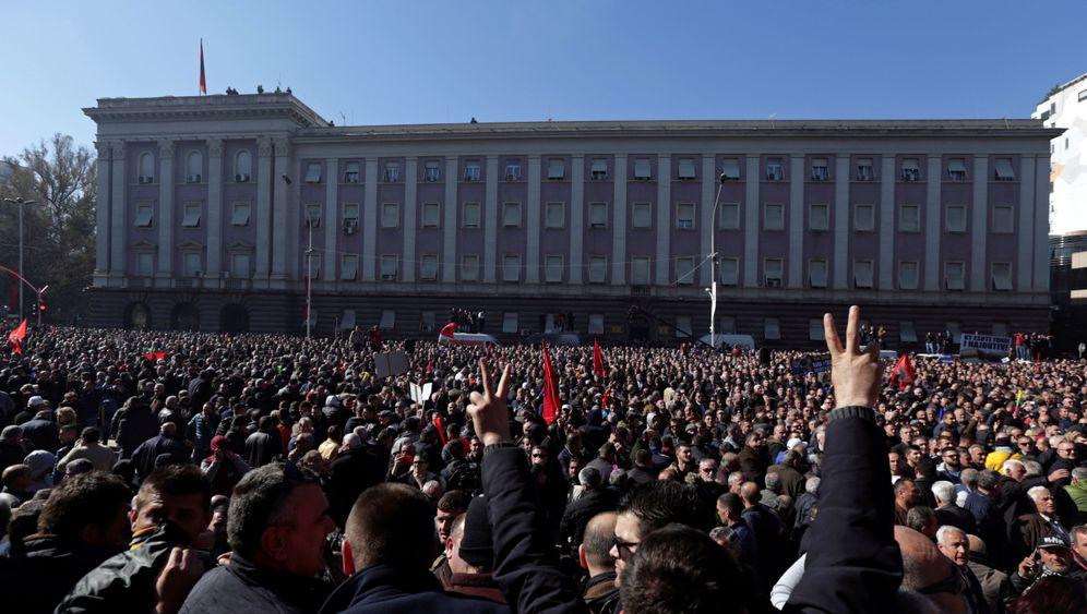 Westbalkan: Demos gegen korrupte Machthaber