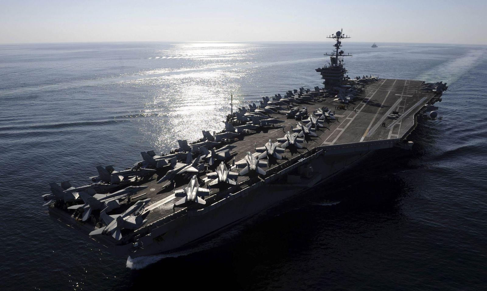 Iran / Hormuz / USS Stennis