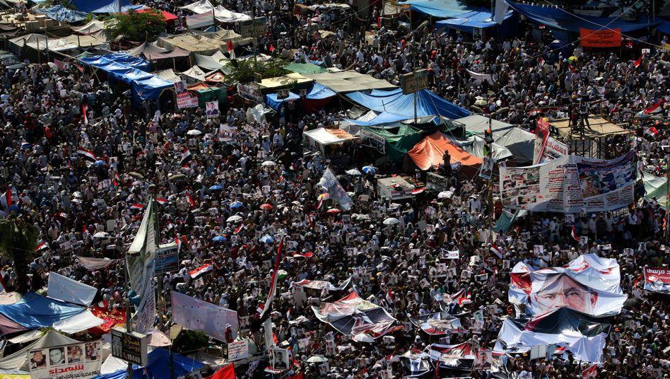 Machtkampf in Ägypten: Regierung will Pro-Mursi-Proteste verbieten