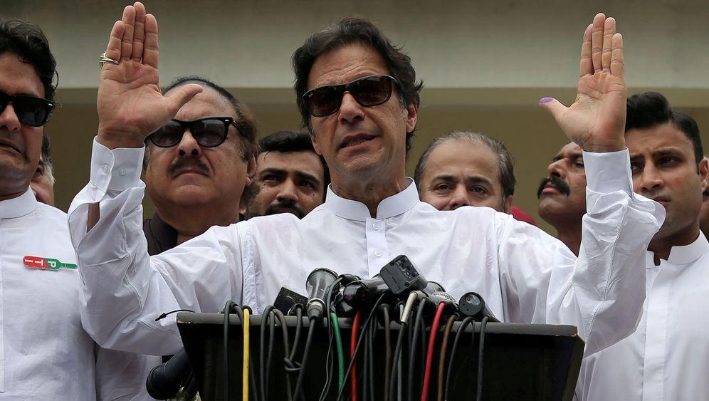 Imran Khan: Erst Cricket-Star, jetzt Premier