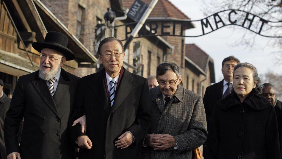 Ban Ki Moon und Marian Turski: Besuch im Konzentrationslager Auschwitz
