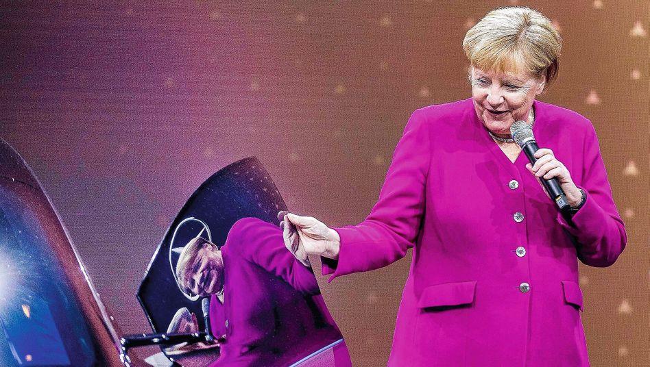 Bundeskanzlerin Angela Merkel (CDU) auf der Internationalen Automobil Ausstellung 2019