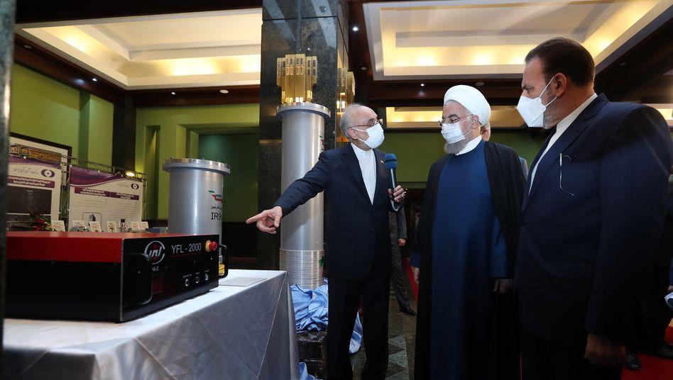 Präsident Hassan Rohani: Ausstellung der nuklearen Errungenschaften Irans