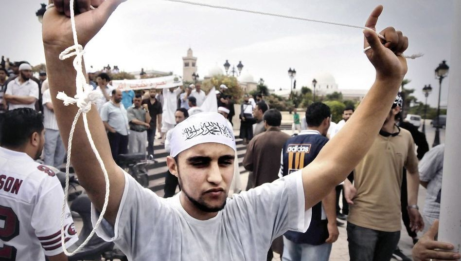 Salafisten-Protest gegen islamkritischen Blogger: »Am nächsten Morgen stehen 30 Salafisten vor der Tür und schreien, hier wohne der Teufel«