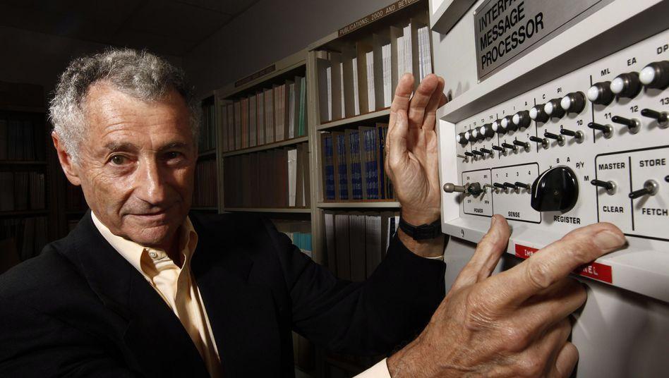Internet-Pionier Len Kleinrock: Sinnlose Testdaten hin- und hergeschickt