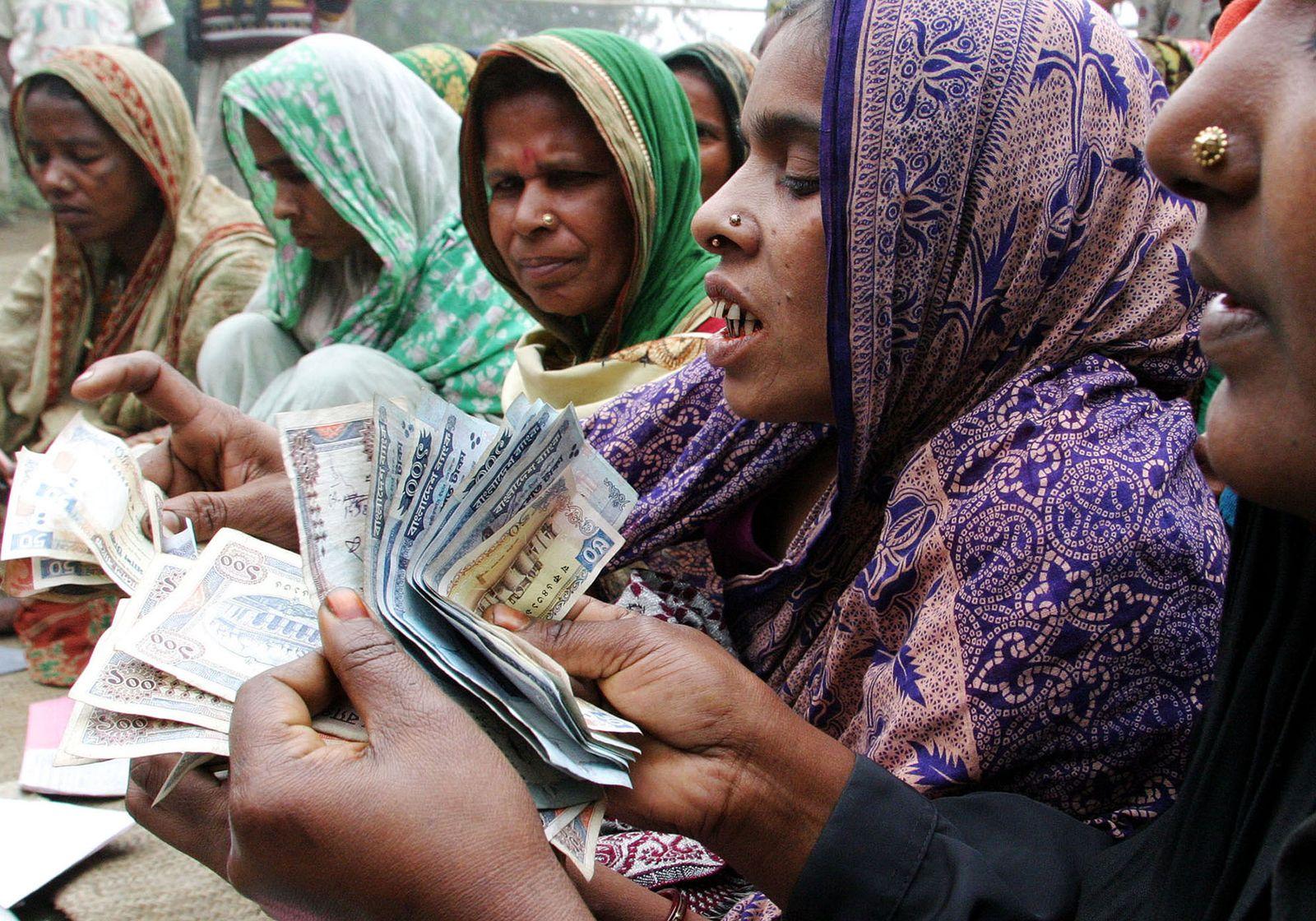Bangladesch / Frauen / Mikrofinanzbank