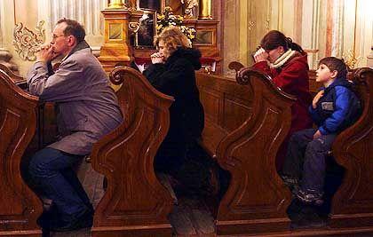 """Betende in Warschauer Kirche: """"Wir gratulieren den Deutschen"""""""