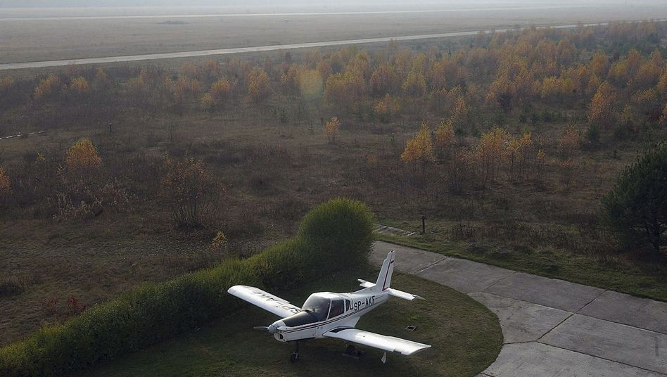 The Szczytno-Szymany airport in northeastern Poland, close to the suspected black site prison (2005 photo).