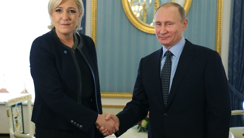 Präsidentschaftskandidatin Marine Le Pen, Wladimir Putin