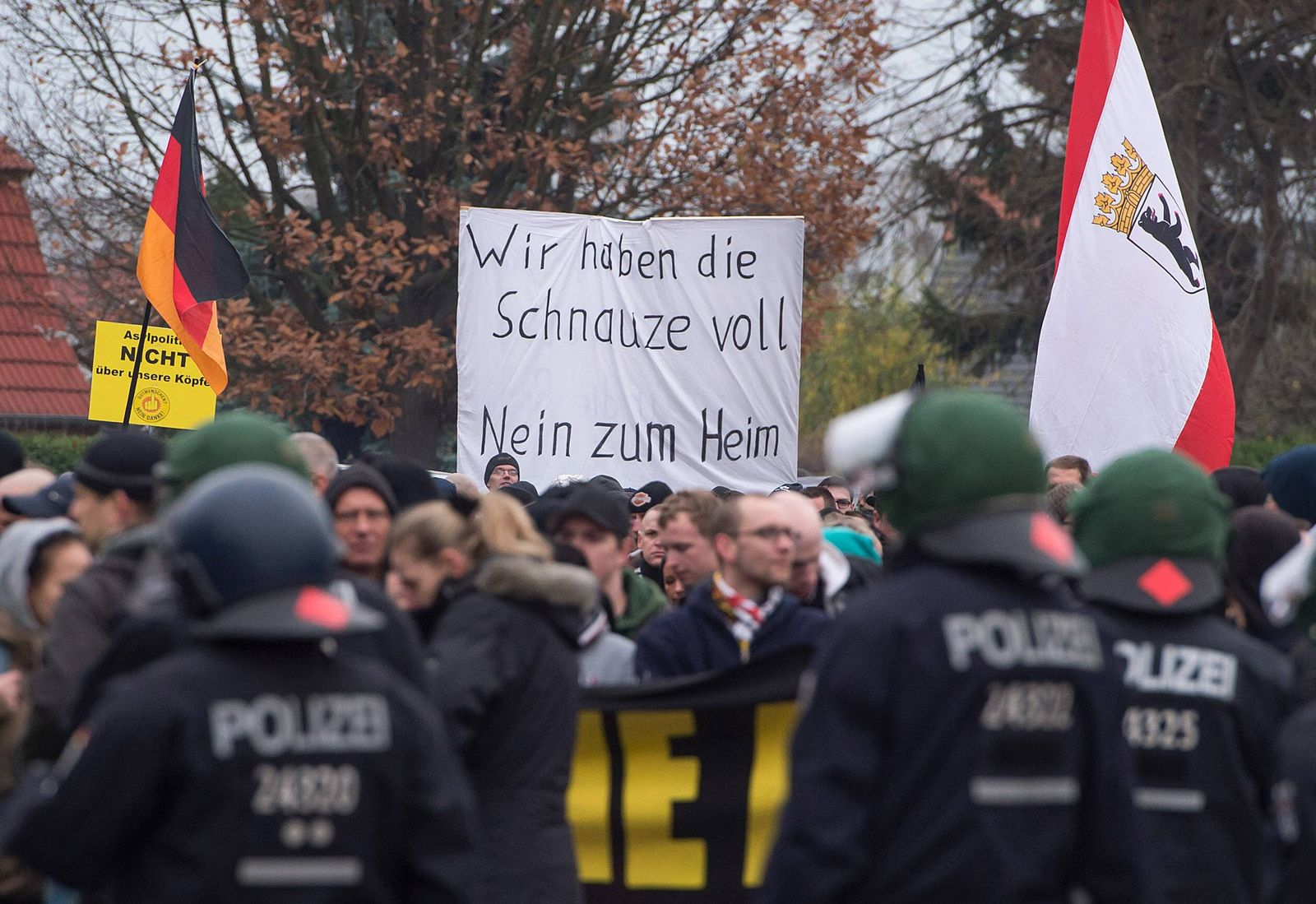 EINMALIGE VERWENDUNG Demonstration/ Flüchtlinge