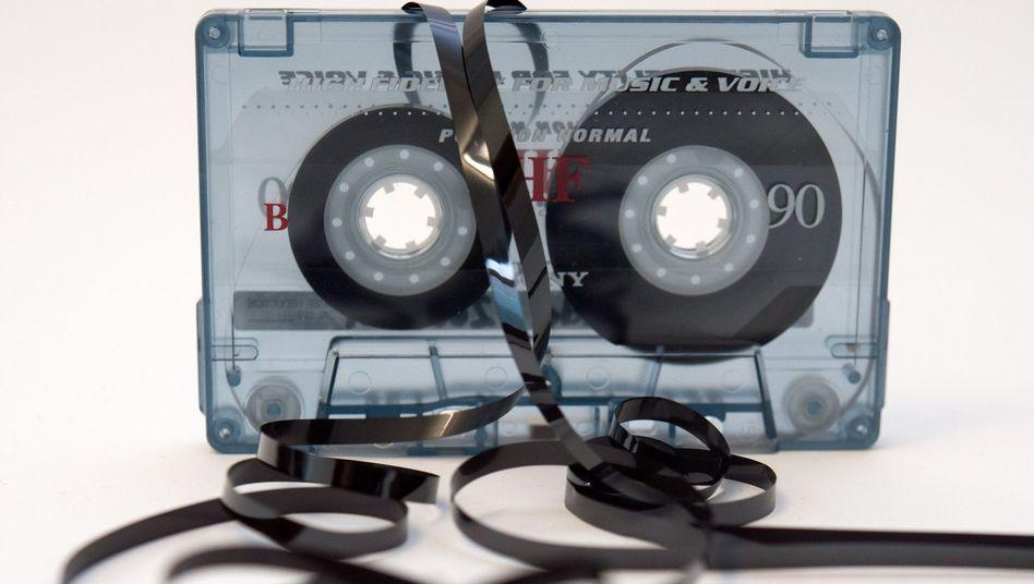 Oft die letzte Rettung: Weil Musikkassetten altern, sollte man sie rechtzeitig umwandeln