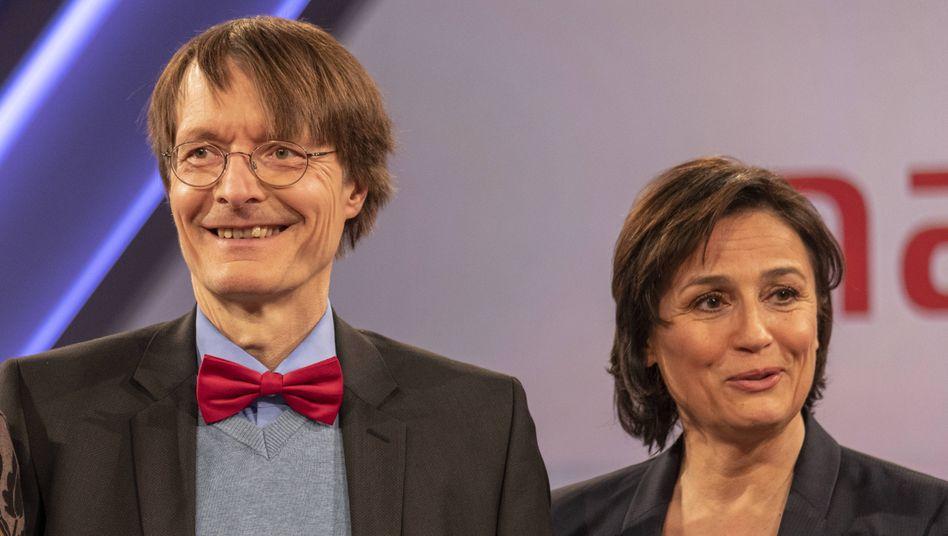 Talkshow-Dauergast Karl Lauterbach, Moderatorin Sandra Maischberger