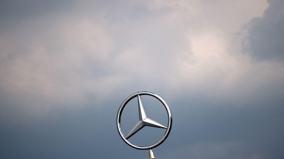 Mercedes-Stern: Kosten sparen durch Verkauf von Niederlassungen