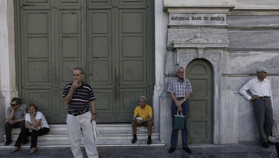 Kunden vor der griechischen Nationalbank: Der Test stresst