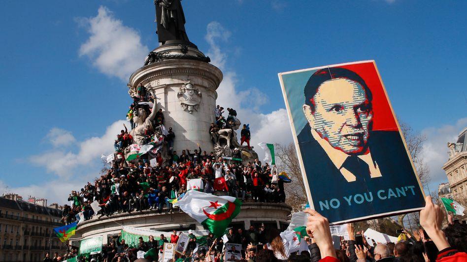 Demos gegen Staatschef Abdelaziz Bouteflika in Paris