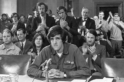 Veteran Kerry (bei einer Senatsanhörung im Jahr 1971): Keine Lüge nachgewiesen