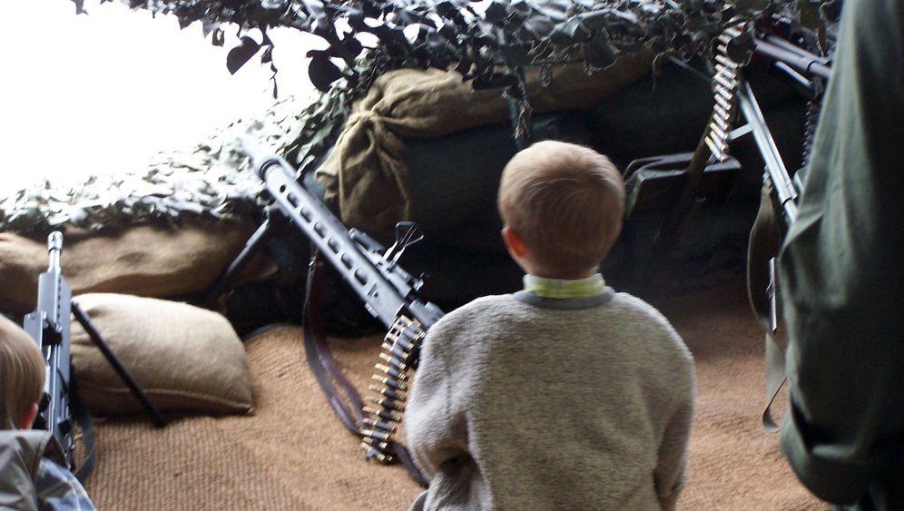 Bundeswehr: Waffenspiele für Kinder