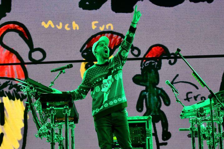 "Performer Shinoda (2018 in Inglewood, Los Angeles): ""Die Fans können 'Shinoda Bucks' verdienen"""
