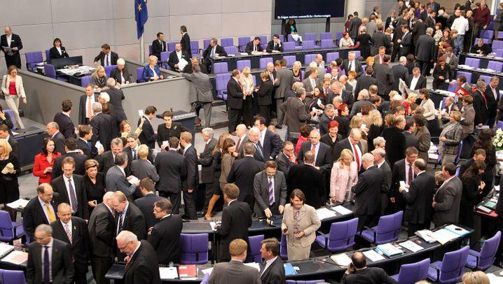 Protest gegen Atompolitik: Greenpeace steigt der CDU aufs Dach